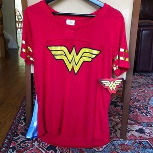 Wonder Woman t shirt with detachable cape